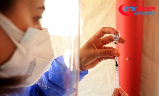 Kovid-19 Bilim Kurulu Üyesi Prof. Dr. Şener'den 'Delta Plus'a karşı aşılarınızı tamamlayın' uyarısı