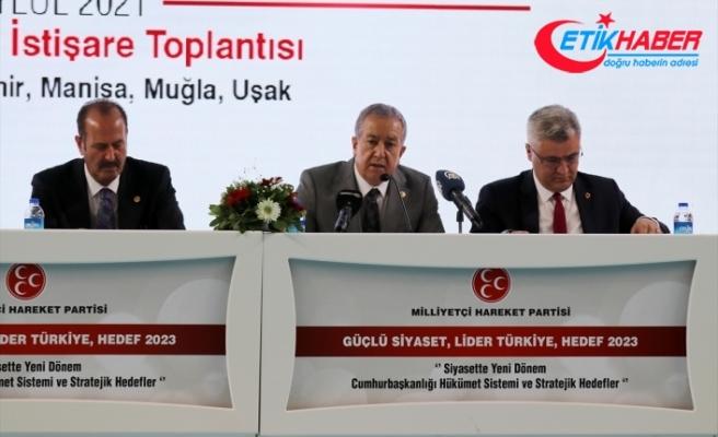 MHP Genel Başkan Yardımcısı Durmaz'dan Edremit'in kurtuluş yıl dönümündeki gösteriye tepki