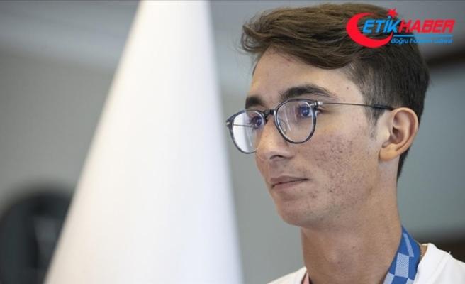 Olimpiyat şampiyonu Mete Gazoz'dan dünyaca ünlü Brezilyalı yazar Coelho'ya teşekkür
