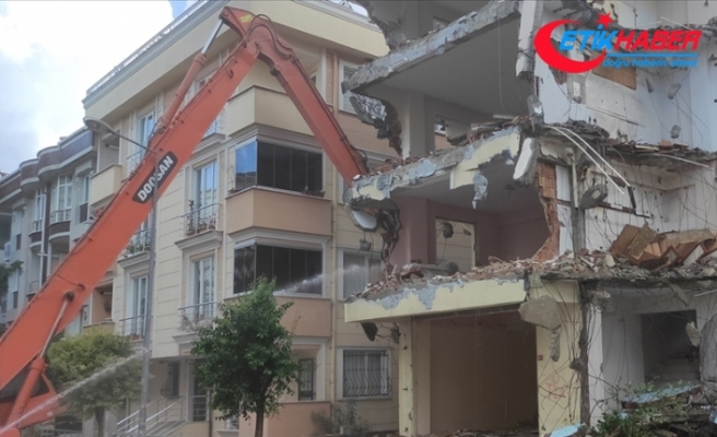 Binaların yıkım işlerini düzenleyen yönetmelik Resmi Gazete'de yayımlandı
