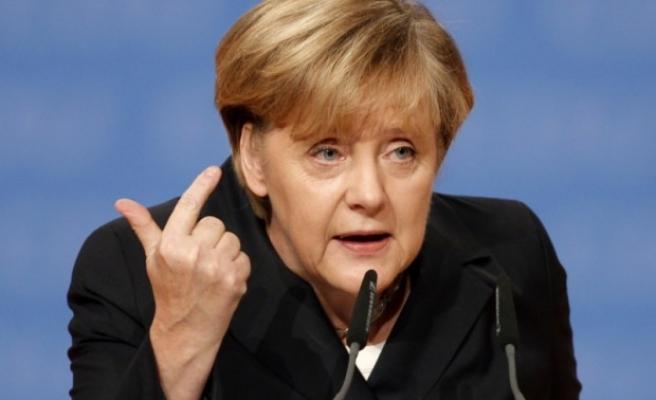 Merkel: Teröre karşı mücadelede birbirimize destek olacağız