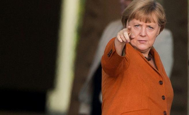 Merkel'den 'Soykırım' Yasasına İlk Açıklama Geldi