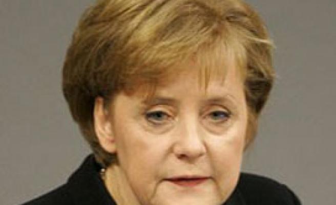 """Merkel:""""İngiltere'nin üzümleri seçmesine müsaade edilmeyecek"""""""