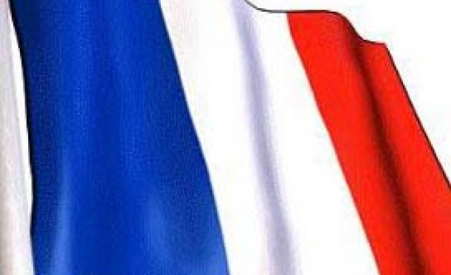 Fransa Avrupa İnsan Hakları Sözleşmesi'ni askıya aldığını Avrupa Konseyi'ne bildirdi