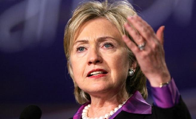 Clinton'ın e-postalarıyla ilgili FBI'a yeni soruşturma izni