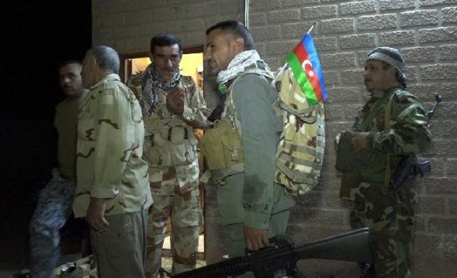Kerkük'te Şii Türkmenlerden Azerbaycan bayraklı IŞİD operasyonu