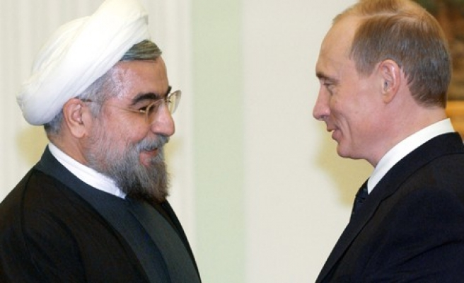 Ruhani, Putin'i tebrik etti