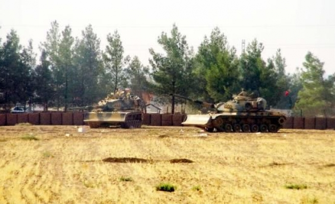 Cerablus'ta havadan 12, karadan 70 hedefin tamamı vuruldu