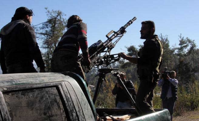 Esad rejimi Türkmendağı ve İdlib kırsalını vuruyor
