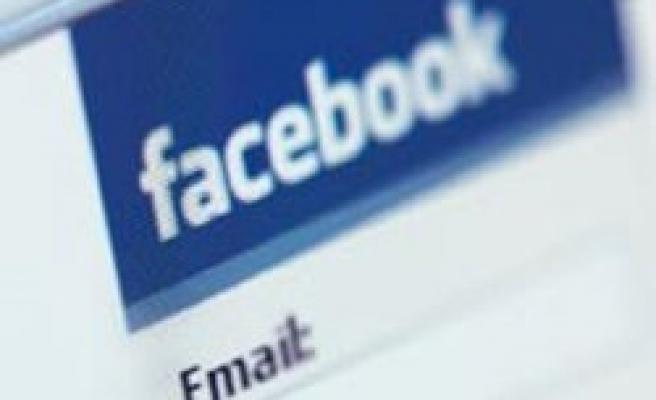 Twitter, Facebook ve YouTube'a erişim sıkıntısı sürüyor