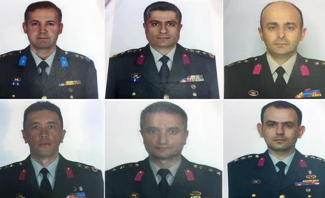 FETÖ'nün firari komutanlarının fotoğrafları basına dağıtıldı