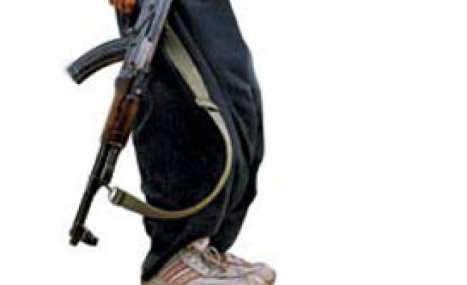 PKK sığınağında büyük miktarda silah ve mühimmat ele geçti