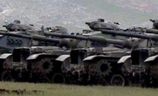 Zırhlı birlikler sınır bölgelerine taşınacak