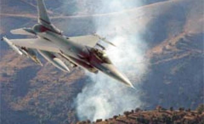 TSK: Çukurca'daki hava harekâtlarında 186 teröristin etkisiz hale getirildi