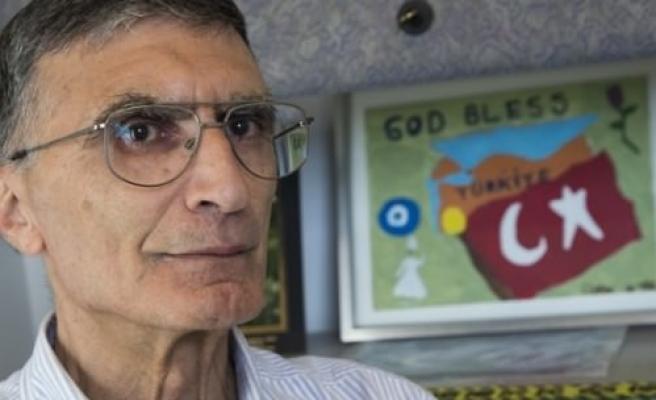 Aziz Sancar ödülünü Anıtkabir için teslim etti