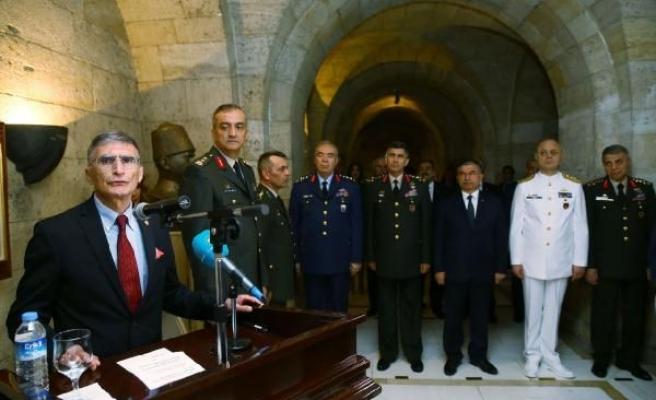 Aziz Sancar Nobel Ödülü'nü Anıtkabir'e armağan etti