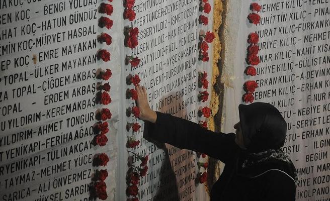 Marmara Depremi'nde ölenler için anma töreni