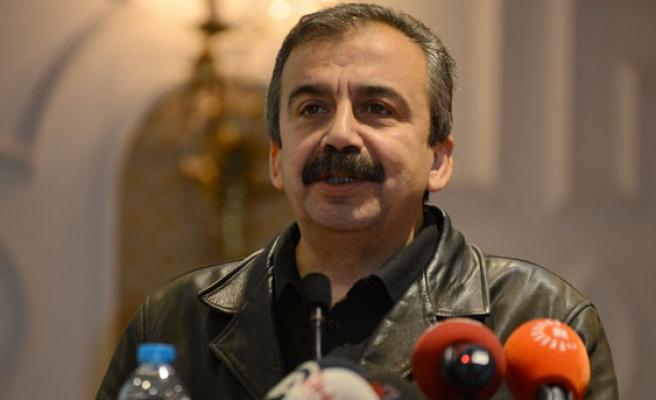 Sırrı Süreyya Önder adli kontrol şartıyla serbest