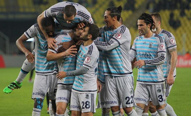 Fenerbahçe Avrupa'da 213. sınavda