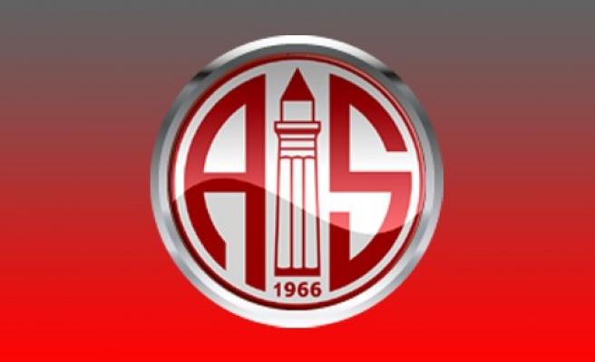Antalyaspor, John Benjamin Toshack'la Anlaştı