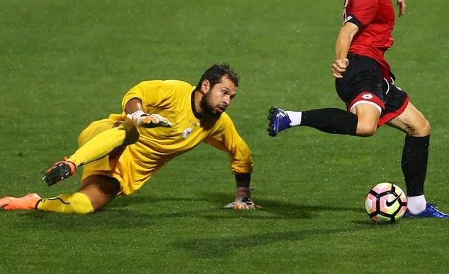 Serkan Kırıntılı UEFA Avrupa Ligi'nde haftanın oyuncusu seçildi