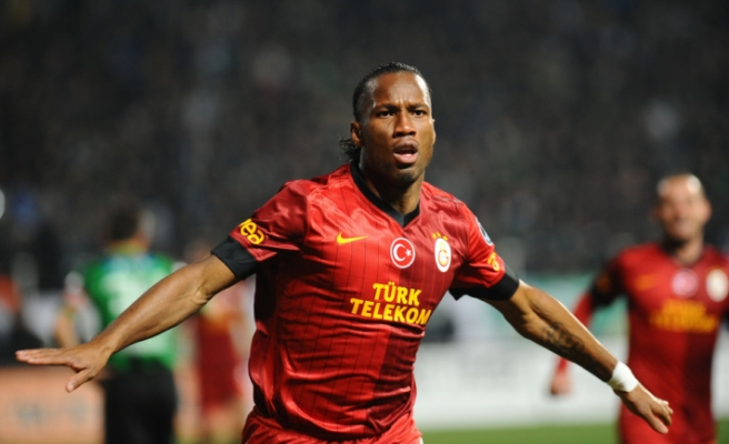 Drogba'dan futbola 'devam' kararı