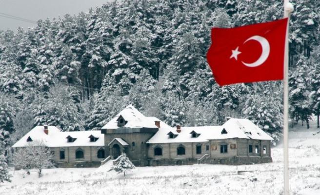 Erzurum'a kar yağıyor