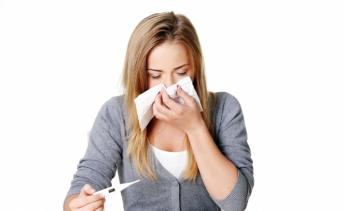 """""""Uçakta cam kenarında oturmak grip riskini azaltıyor"""""""