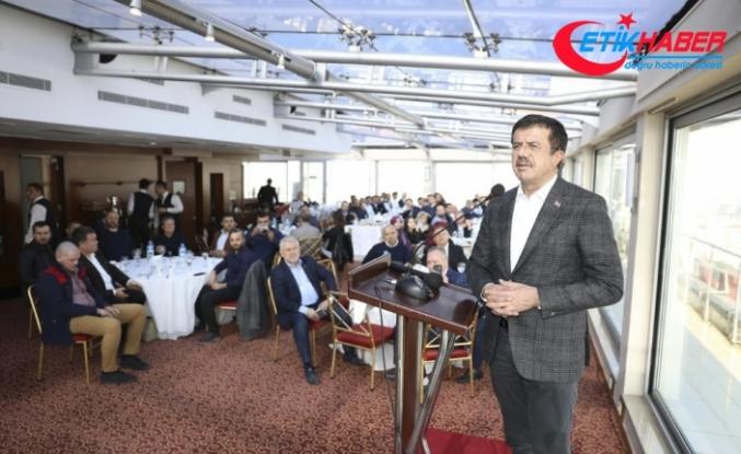 """""""İzmir gelişim dalgasında sörf yapmalı"""""""