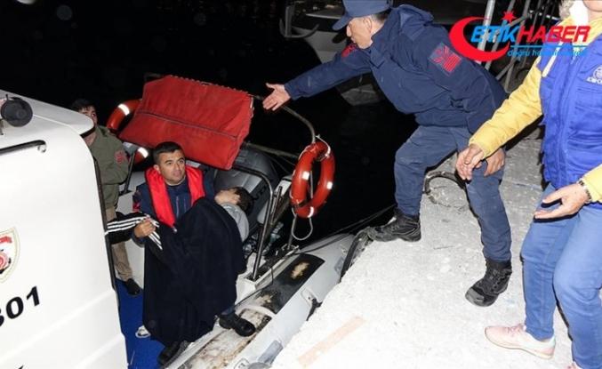 Çanakkale'de düzensiz göçmenleri taşıyan tekne battı: 4 ölü