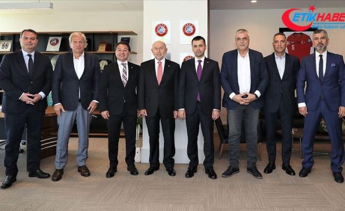 Kulüp başkanlarından Nihat Özdemir'e ziyaret