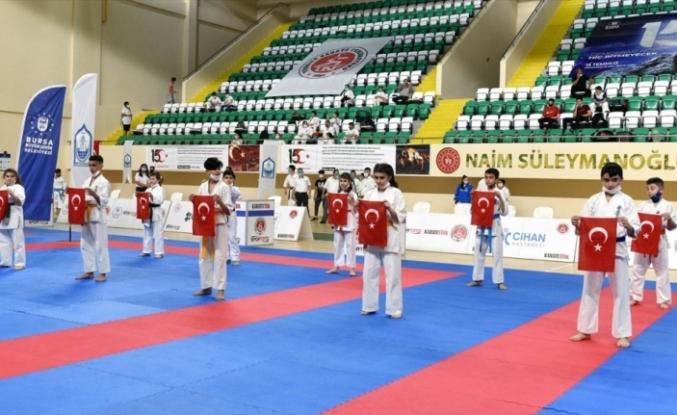 """Ümit, Genç ve 21 Yaş Altı Türkiye Karate """"Kata"""" Şampiyonası Bursa'da başladı"""