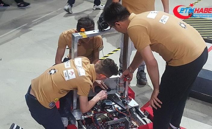 Geliştirdikleri robotla dünya finallerine katılacaklar