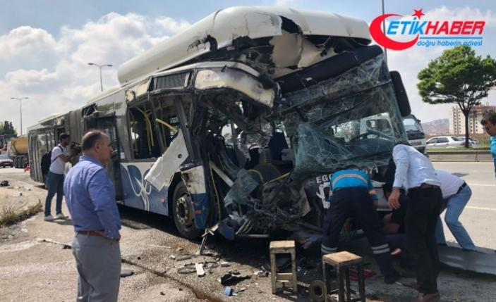 Ankara'da otobüsler çarpıştı: 1 ölü, 15 yaralı