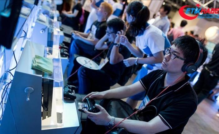 Sony PlayStation konsolunun mini boyutunu çıkarıyor