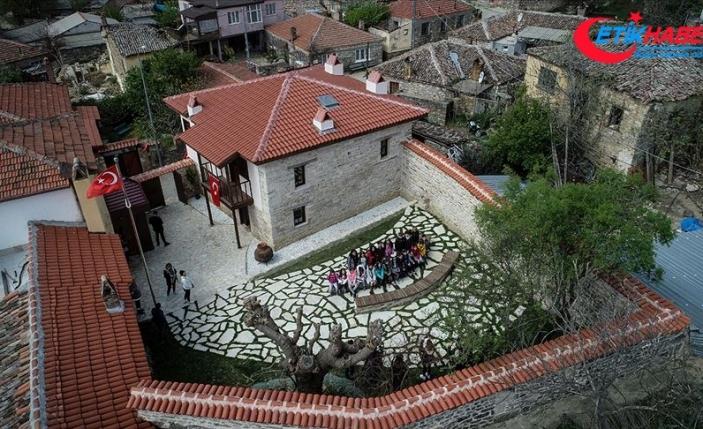 'Atatürk Evi'ne ziyaretçi akını