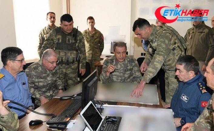 Orgeneral Akar Hakkari'deki birlikleri denetledi