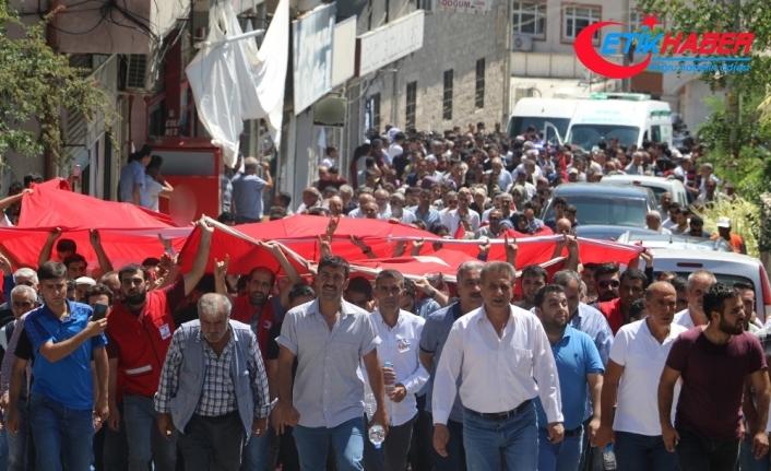 Diyarbakır şehidi 'kahrolsun PKK' sloganları ile defnedildi