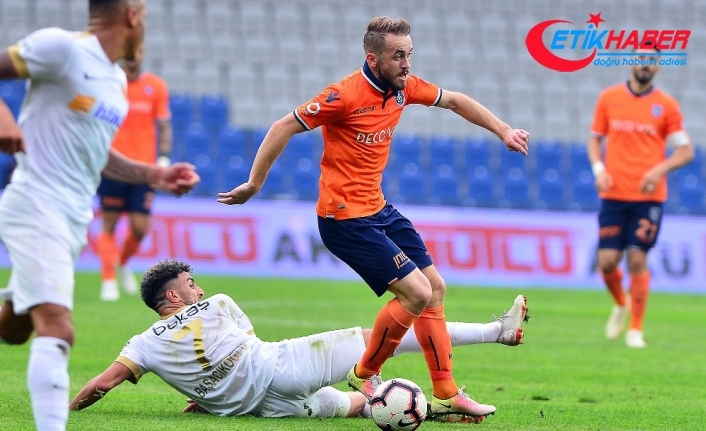 Başakşehir Kayseri'yi tek golle geçti