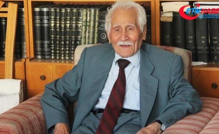 """Türk edebiyatının """"Beyaz Kartal""""ı son yolculuğuna uğurlandı"""