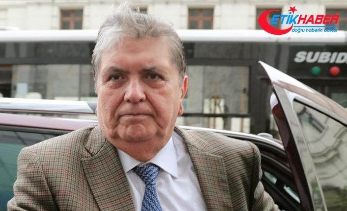 Peru'nun eski Devlet Başkanı Garcia tutuklanmadan önce kendisini vurdu