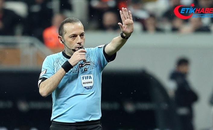 UEFA Şampiyonlar Ligi'nde Barcelona-Napoli maçını Cüneyt Çakır yönetecek