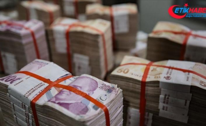 """Bütçeden en yüksek pay """"Hazine ve Maliye""""ye"""