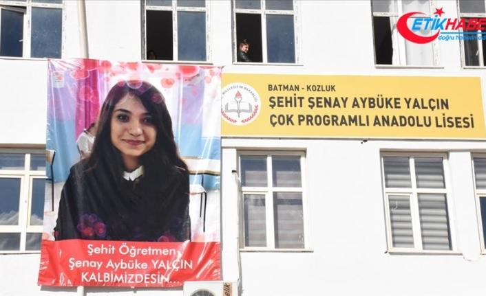 Şehit öğretmenin görev yaptığı okulda 24 Kasım hüznü