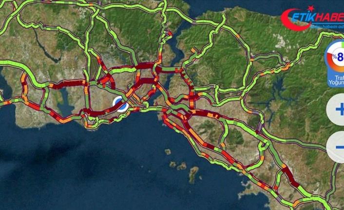 İstanbul'da trafik yoğunluğu yüzde 80'e ulaştı