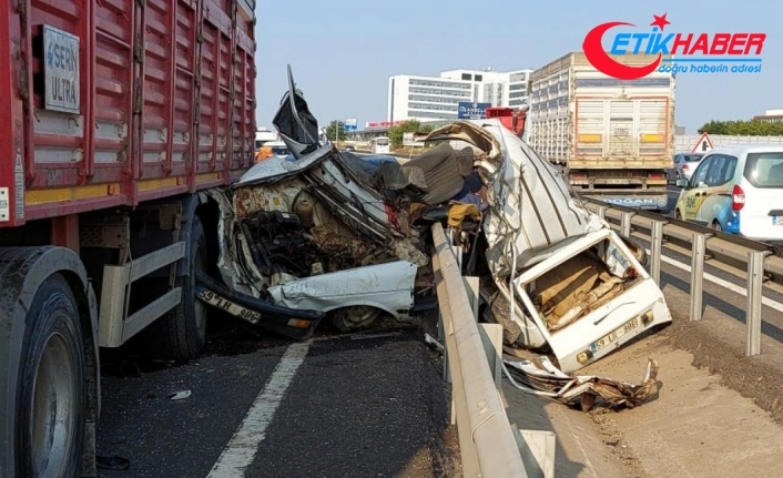 Ters yöne giren araç kağıt gibi ezildi: 1 ölü, 2 yaralı